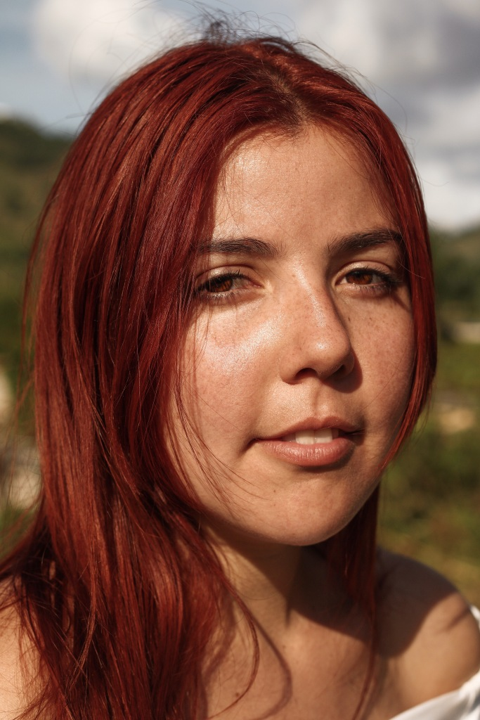 Ranch Red Hair Eyes Field Sunny Look